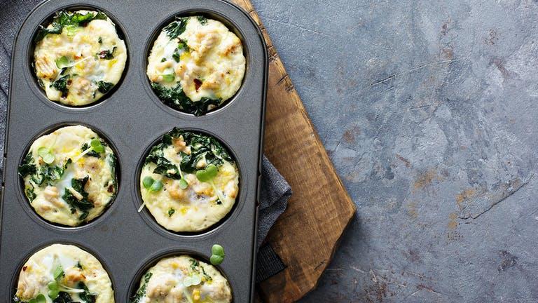 Gezonde Paasbrunch: Ei muffins met geitenkaas & groenten