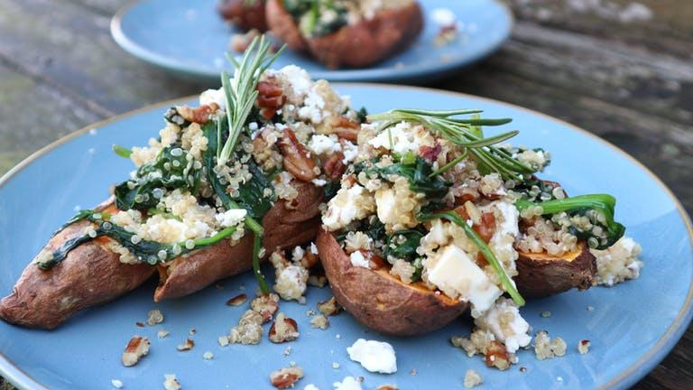 Gevulde zoete aardappelen met quinoa